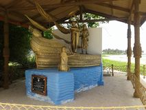 Estátua do navio de tomar Bodhi a Sri Lanka fotografia de stock royalty free