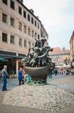 Estátua do navio dos tolos em Nuremberg imagem de stock royalty free