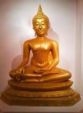 Estátua do ouro da Buda Fotografia de Stock