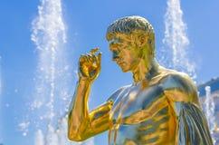 Estátua do ouro em Peterhof Imagens de Stock Royalty Free