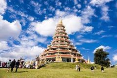 Estátua do pagode de Wat Huai Pla Kang Fotografia de Stock