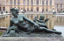 Estátua do palácio de Versalhes Imagens de Stock Royalty Free
