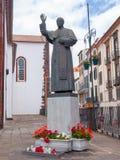 Estátua do papa John Paul II em Funchal, Madeira imagens de stock royalty free