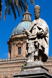 Estátua do papa Sergius fotografia de stock royalty free