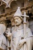 Estátua do papa Sylvester em Notre Dame, Paris fotografia de stock royalty free