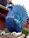Estátua do pavão em Wat Ban Den Chiangmai Thailand imagem de stock