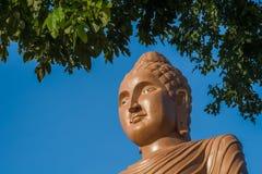 Estátua do perfil da Buda, Kanchanaburi, Tailândia Imagem de Stock