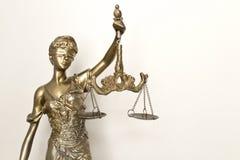 A estátua do símbolo de justiça, imagem legal do conceito da lei fotografia de stock royalty free