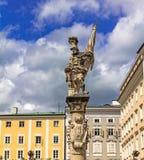 Estátua do St Florian no quadrado do markt Alter Salzburg Fotografia de Stock Royalty Free