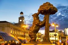 Estátua do urso em Puerta del Sol, Madri, Espanha Fotografia de Stock Royalty Free