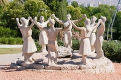 Estátua dos dançarinos de Sardana foto de stock