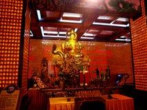 Estátua dourada foto de stock