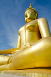 Estátua dourada de buddha Imagem de Stock