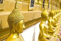 Estátua dourada de buddha Imagem de Stock Royalty Free