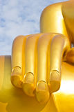 Estátua dourada de Buddha da mão Foto de Stock Royalty Free