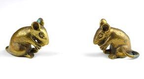 A estátua dourada de um rato Foto de Stock Royalty Free