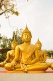 Estátua dourada grande da Buda em Tailândia Phichit, Tailândia Foto de Stock Royalty Free