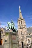 Estátua e igreja, Durham (Inglaterra) imagens de stock royalty free