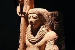 Estátua egípcia antiga, museu de Luxor em Egito foto de stock