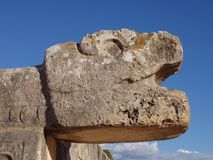 Estátua em Chichen Itza foto de stock royalty free