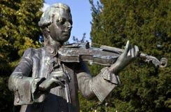Estátua em jardins da parada, banho de Mozart imagem de stock royalty free