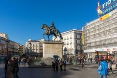 Estátua equestre de Carlos III em Puerta del Sol no Madri, Espanha Imagens de Stock Royalty Free