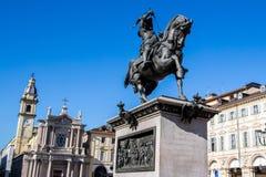 Estátua equestre de Emanuele Filiberto em Turin, Itália foto de stock royalty free