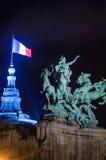 Estátua equestre sobre Le Grande Palais, Paris França Fotos de Stock Royalty Free