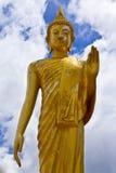 Estátua estando de Buddha, Tailândia Fotografia de Stock Royalty Free