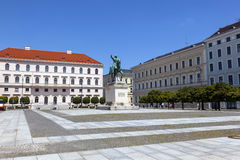Estátua famosa de Maximilian em Munich foto de stock royalty free