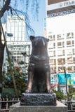 Estátua famosa do cão de Hachiko japão como o marco no Tóquio de Shibuya | Turista em Japão Ásia o 30 de março de 2017 Imagens de Stock Royalty Free
