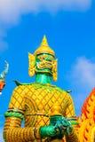 Estátua gigante da religião, símbolo do templo tailandês foto de stock royalty free