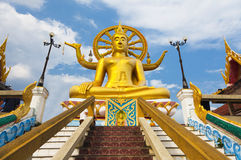 Estátua grande de buddha no samui do koh, Tailândia Imagem de Stock Royalty Free