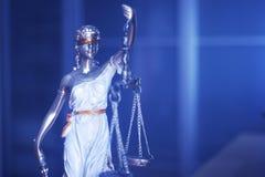 Estátua legal de justiça do escritório de advogados imagens de stock
