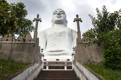 A estátua magnífica da Buda de Bahiravakanda em Kandy em Sri Lanka Imagem de Stock