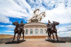 A estátua a maior do mundo de Genghis Khan imagem de stock