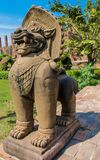 Estátua mitológica asiática de Qilin no templo budista de Tailândia foto de stock royalty free