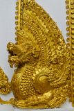 Estátua mitológica asiática de Qilin no templo budista de Tailândia imagens de stock royalty free
