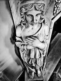 estátua na frente da chaminé Foto de Stock
