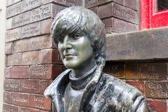 Estátua na frente do bar da caverna, Liverpool de John Lennon, Reino Unido Fotografia de Stock Royalty Free
