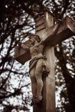 Estátua na sepultura no cemitério velho Imagem de Stock Royalty Free