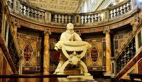 Estátua no Santa Maria Maggiore imagens de stock
