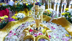 Estátua pequena de buddha fotos de stock royalty free