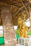 Estátua perto do monumento grande da Buda, Phuket, Tailândia Foto de Stock