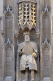 Estátua portas acima do rei Henry VIII de grandes da faculdade da trindade Imagem de Stock