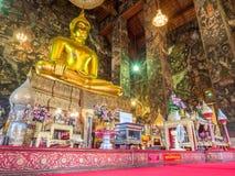 Estátua principal de buddha em Wat Suthat em Banguecoque Imagens de Stock