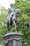 Estátua - quadrado Vieux-Marché-auxiliar-chevaux - Lille - França Fotografia de Stock