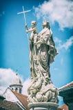 Estátua religiosa, Sopron, Hungria, filtro análogo foto de stock royalty free