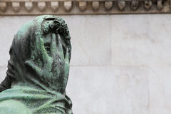 Estátua velha do cemitério Imagens de Stock
