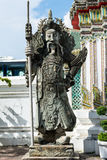 Estátua velha em Wat Pho fotografia de stock royalty free